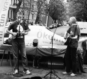 Am Ökomarkt Kollwitzplatz, Okt. 2014